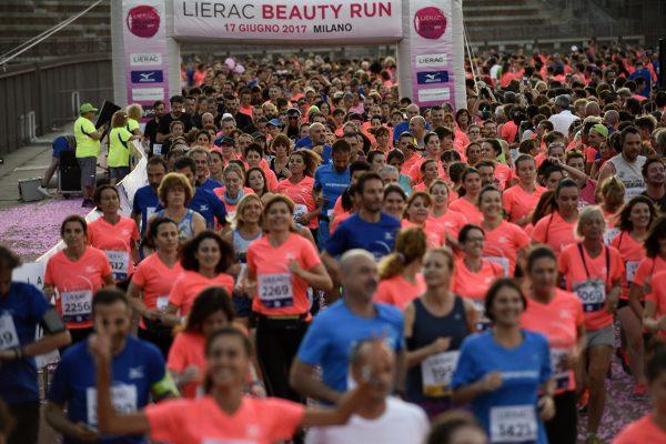 Foto LaPresse - Marco Alpozzi17 06 2017 Milano ( Italia )SportLierac Beauty Run 2017, la corsa dedicata alle donne.Nella foto:Photo LaPresse - Marco AlpozziJune 17, 2017 Milan ( Italy )sportLierac Beauty Run 2017, the race dedicated to women.in the pic:
